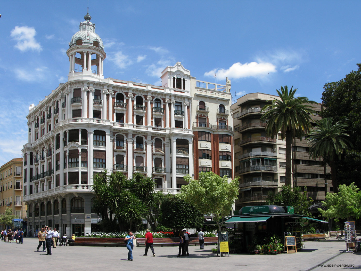 Edificio Cerdá, Grupo Baraka